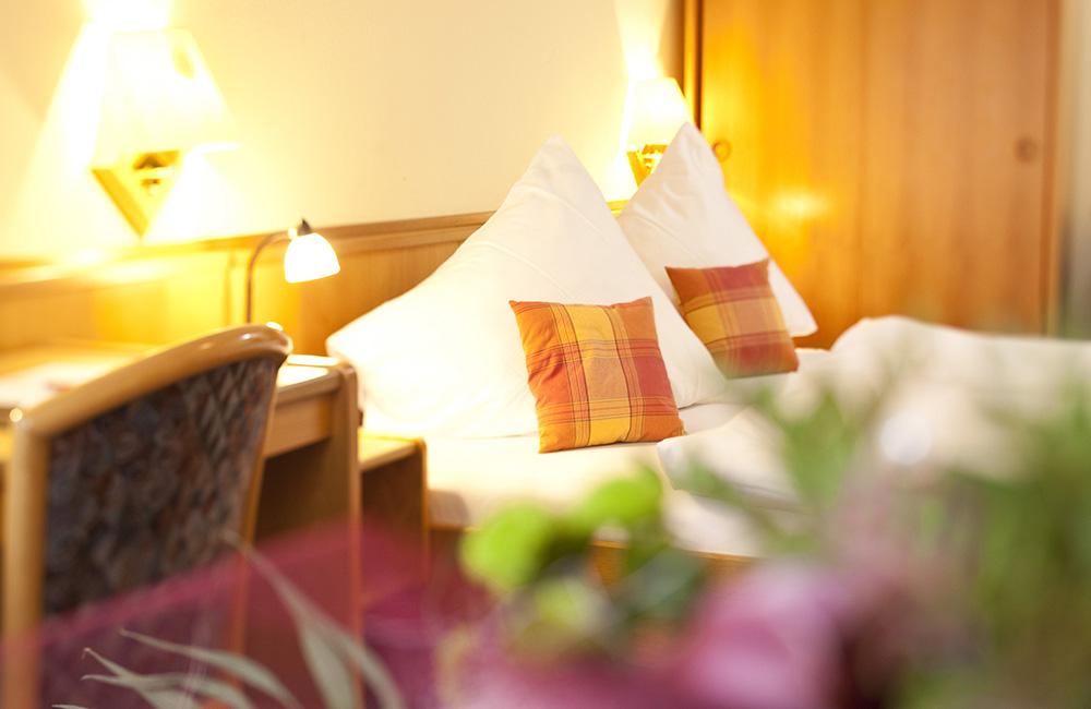 http://www.hotel-roemerstadt.de/wp-content/MG_0020_Standart-Zimmer-im-Hotel-Roemerstadt-Donauwoerther-Strasse-Gersthofen.jpg
