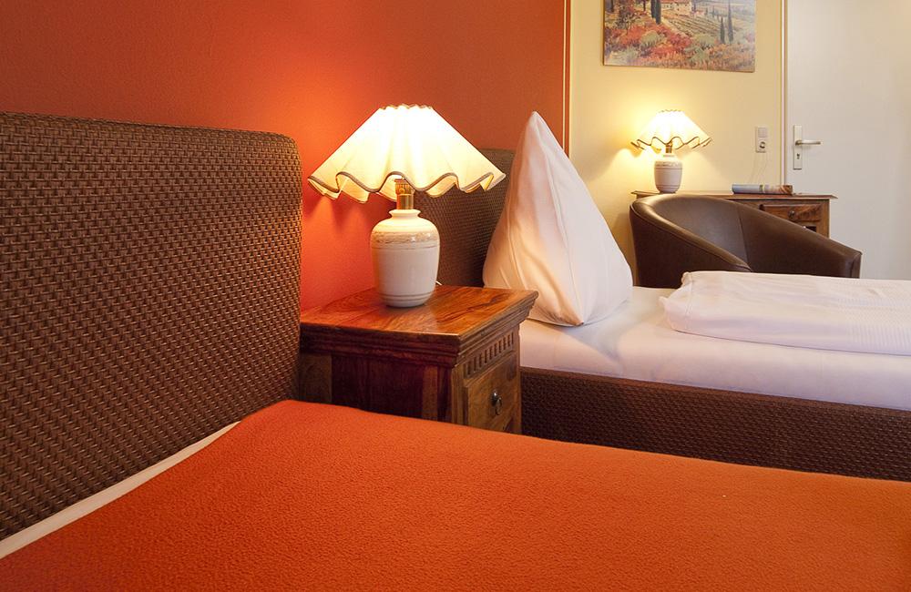 http://www.hotel-roemerstadt.de/wp-content/MG_0201_Appartment-S-im-Hotel-Roemerstadt-Donauwoerther-Strasse-Gersthofen.jpg