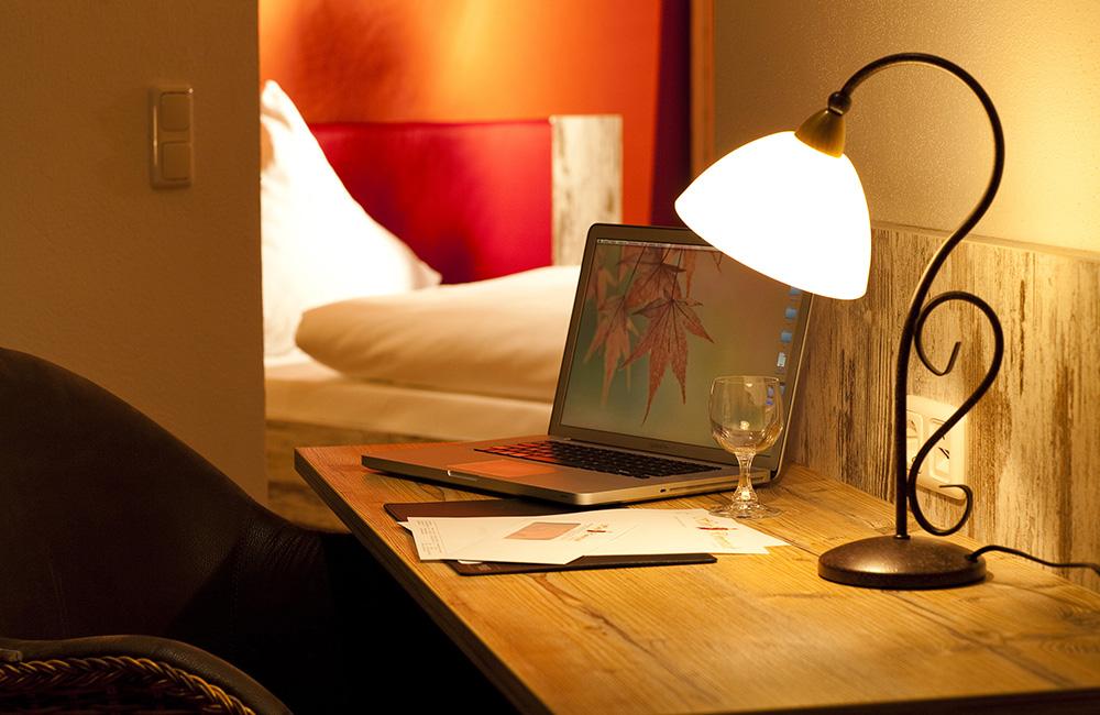 http://www.hotel-roemerstadt.de/wp-content/MG_9927_Superior-Zimmer-im-Hotel-Roemerstadt-Donauwoerther-Strasse-Gersthofen.jpg